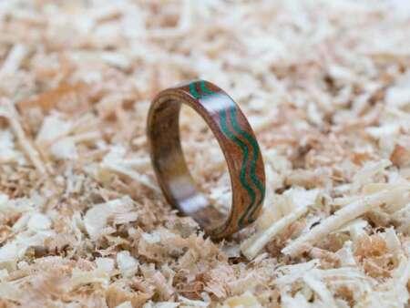 Inel din lemn Malachit Waves 1