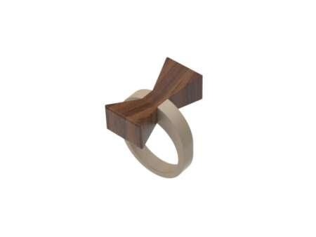 Inel din lemn Papion